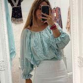 Otra blusa muy romántica que nos trae @juliamp.2 ¡¡¡Gracias bonita!!! Feliz lunes ❤️❤️❤️  #bohostyle #bohochic #bohochicstyle #modaverano2021 #ss21 #2021 #peñiscola #peñíscola #tiendasbonitas #tiendasconencanto #shoponline #shoppingonline #zaragoza #castellon #blusasbordadas #love #modaromantica