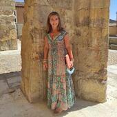 Otra clienta guapísima que me manda foto bonita vestida con prendas de la tienda. ¡¡¡Como nos gustan vuestras fotos!!! Muchas gracias @cristinapura 😍😍😍😍 #mireiasdream #clientasguapas #bohostyle #bohochic #bohochicstyle #vestidosbonitos #peñiscola #modaverano #dress #ibizastyle #shoponline #summer2021 #summerdress #love #instagood
